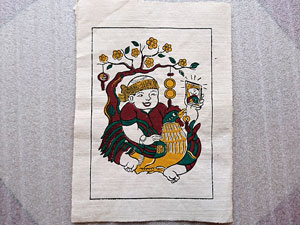 Tranh giấy Bà Già Ôm Gà 26cm x 37cm - TG095