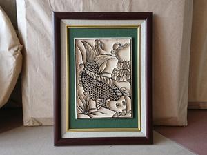 Tranh khắc gỗ đông hồ Cá Chép - Lý Ngư Vọng Nguyệt 25cm x 32cm